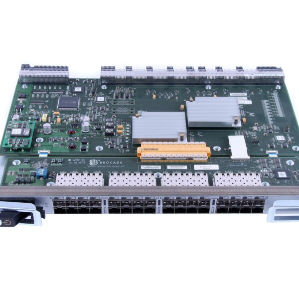 Модуль HPE HPE BD DC DIRECTOR 8GB 32PORT BLADE DPE (684430-001)